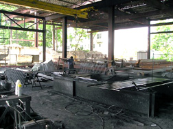 Outdoor Working Steel Shop